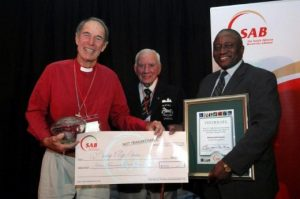 Bishop-Geoff-Davies-with-Dr-Ian-Player-and-Dr-Vincent-Maphai-520x345